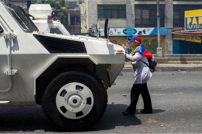 Venezuelan Lady Protest 2017